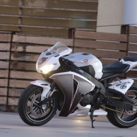 Honda CBR-1000RR The Mission by Roland Sands Design