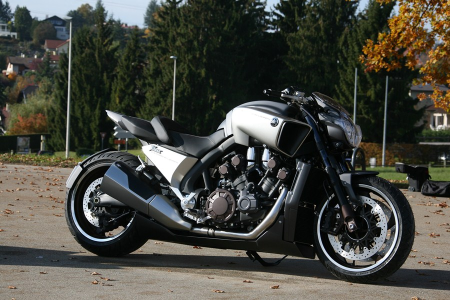 Roadster - Yamaha V-Max Hypermodified by ...